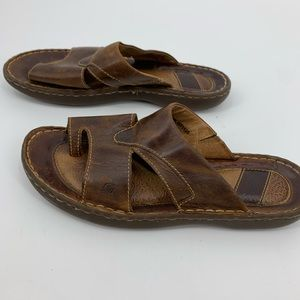 Born womens thong toe sandals brown leather size 9